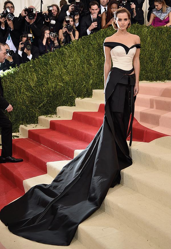 Emma Watson bei der Met Gala 2016 in einem Abendkleid aus recycelten PET-Flaschen;  FOTO: © D. Kambouris /Getty Images